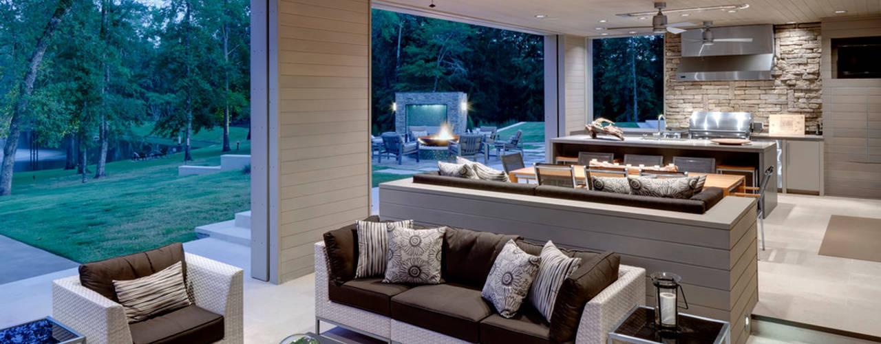 Terrazas de estilo  por GSI Interior Design & Manufacture