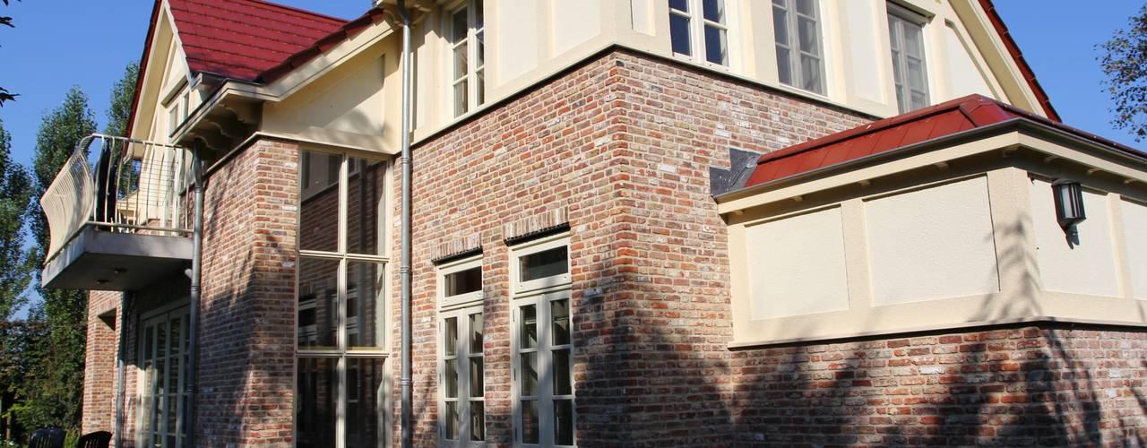 Kleurrijke combinatie:  Huizen door OX architecten