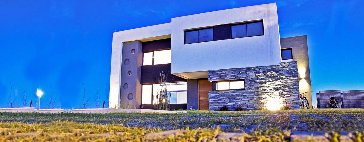 Casa M2 - Estudio Fernandez+Mego Casas minimalistas de Estudio Fernández+Mego Minimalista