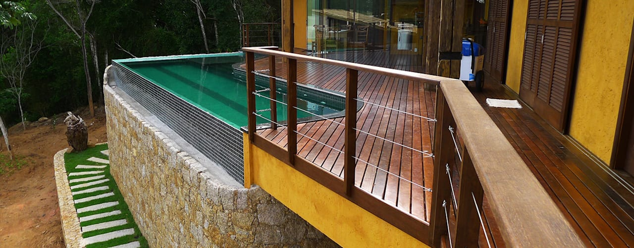 Rustic style pool by Baixo Impacto Arquitetura Ltda. Rustic