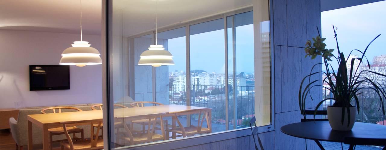 Douro á Vista: Terraços  por Lousinha Arquitectos,Moderno