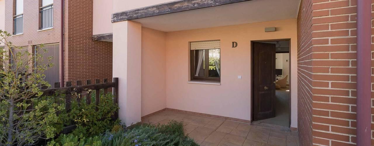 Casas de estilo  por Become a Home