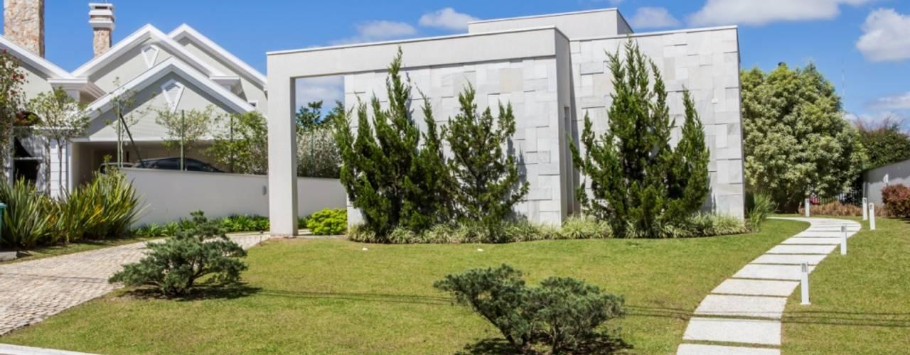 Casas de estilo  por Bernacki Arquitetura, Moderno