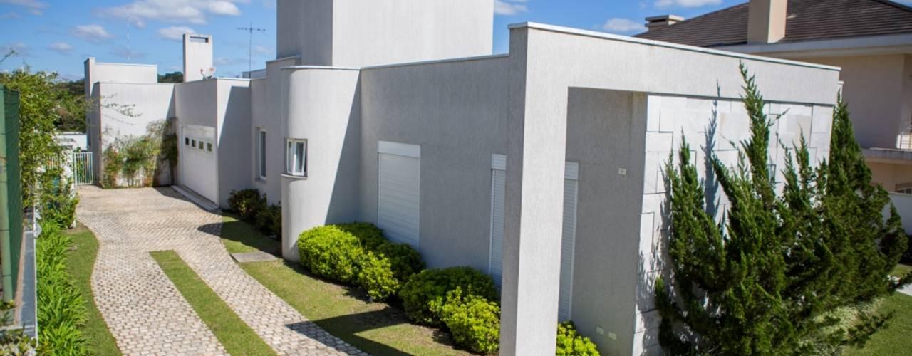 Casas modernas: Ideas, imágenes y decoración de Bernacki Arquitetura Moderno
