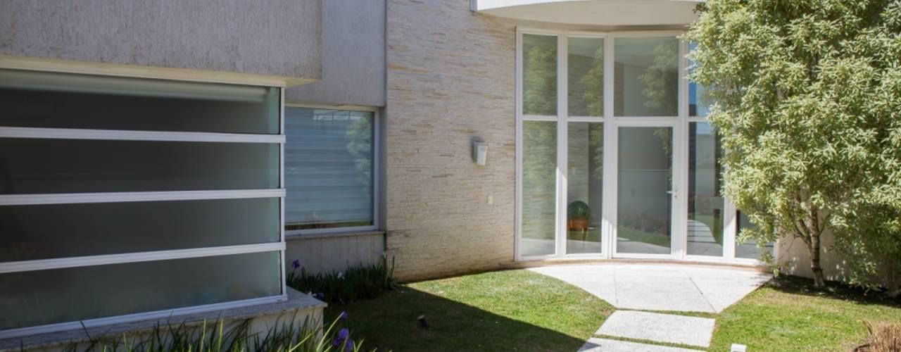 Casas modernas por Bernacki Arquitetura Moderno