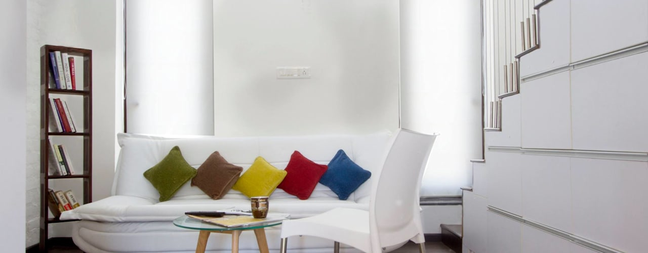 Soggiorno minimalista di Urban Shaastra Minimalista