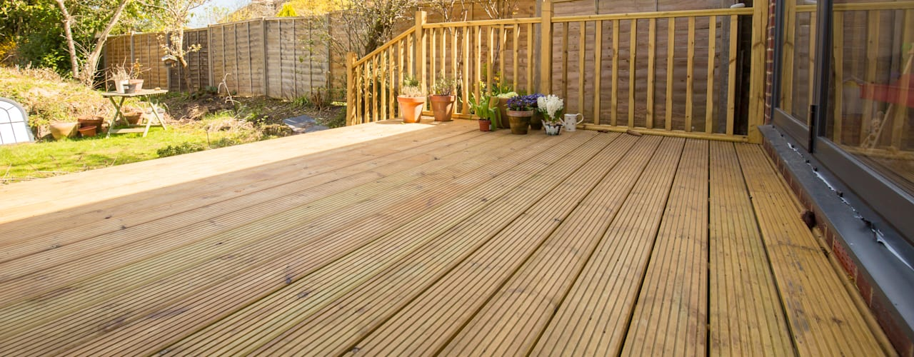 Can you imagine your summers out on this decking?:  Terrace by The Market Design & Build