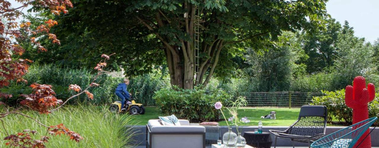 Familietuin:  Tuin door Vosselman Buiten,