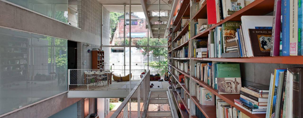 Estudios y oficinas de estilo  por GRUPO SP ARQUITETOS