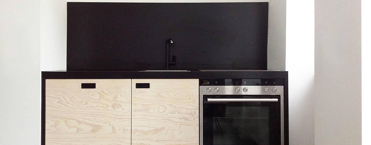 Kitchen by Maison du Bonheur, Modern