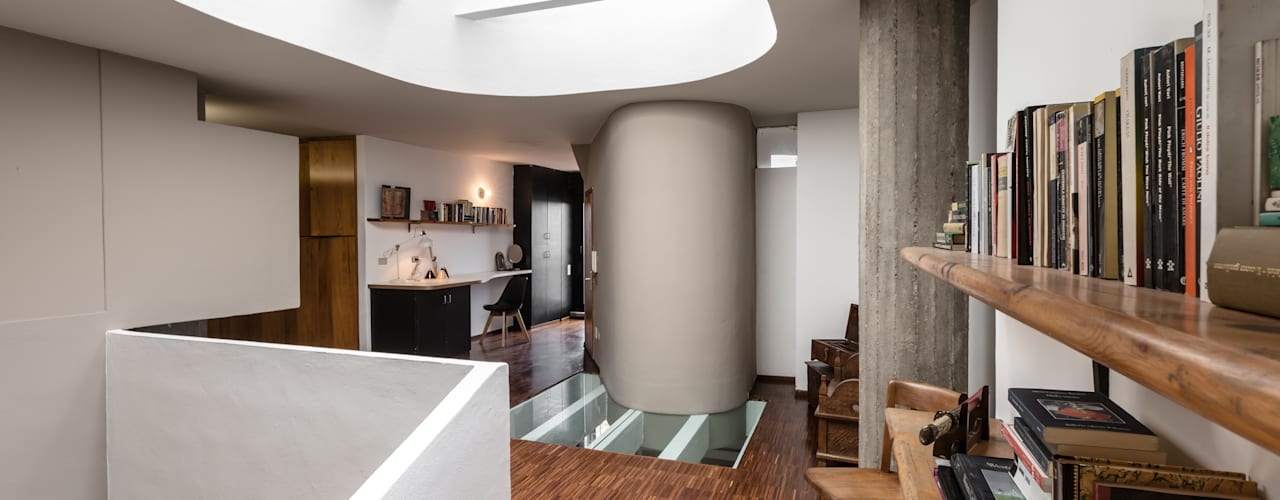 Modern Corridor, Hallway and Staircase by Architrek Modern