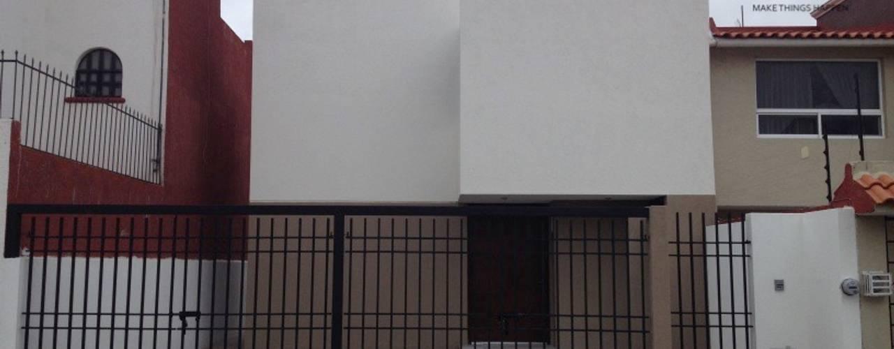 Nhà phong cách tối giản bởi La Maquiladora / taller de ideas Tối giản