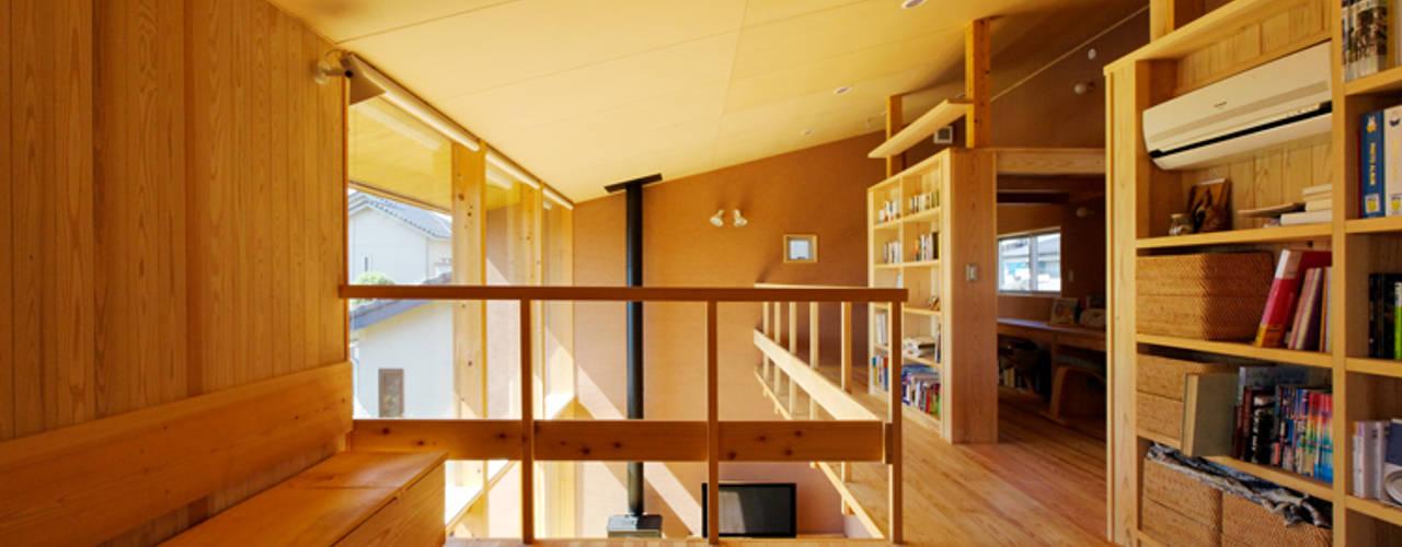 下古山・中庭のある家 中山大輔建築設計事務所/Nakayama Architects オリジナルデザインの 多目的室