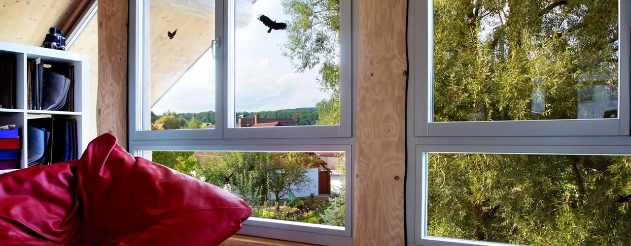 Puertas y ventanas de estilo rústico de Kneer GmbH, Fenster und Türen Rústico