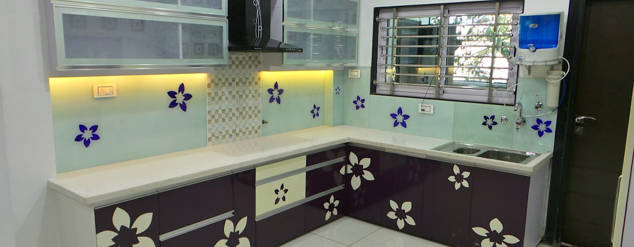 MR. Sanjay Modern kitchen by Shadab Anwari & Associates. Modern