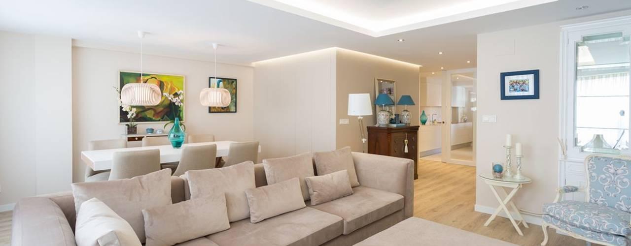 Salas / recibidores de estilo  por GESTION INTEGRAL DE PROYECTOS DEL NOROESTE S.L.
