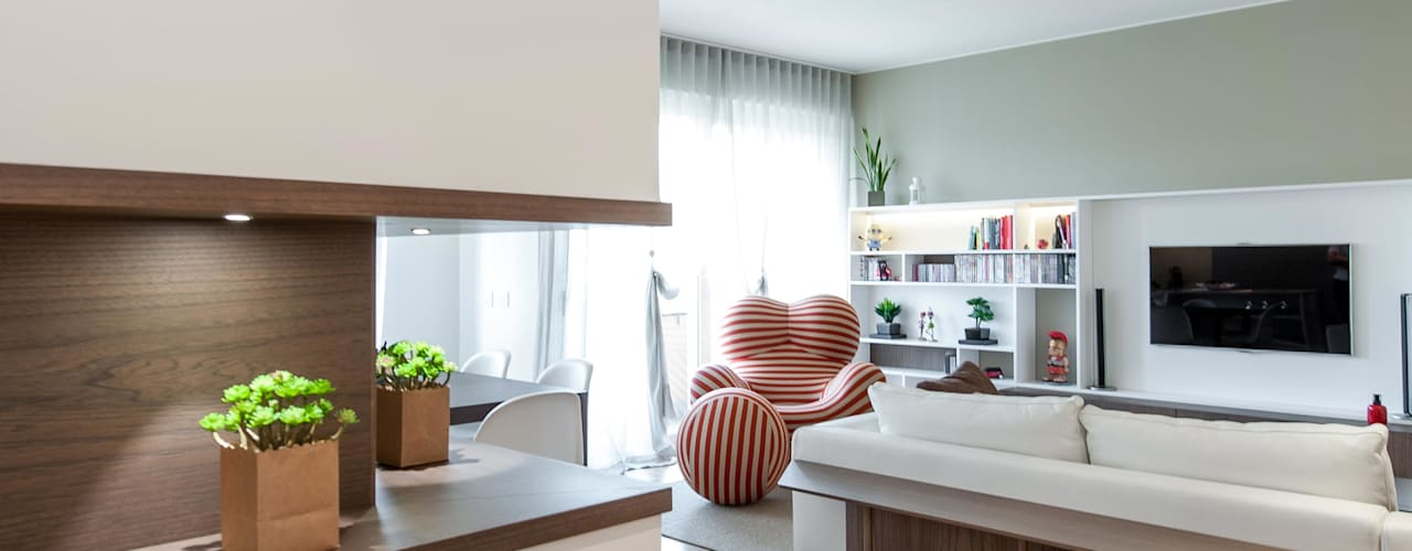 12 idee per arredare un angolo di casa vuoto for Arredare parete soggiorno