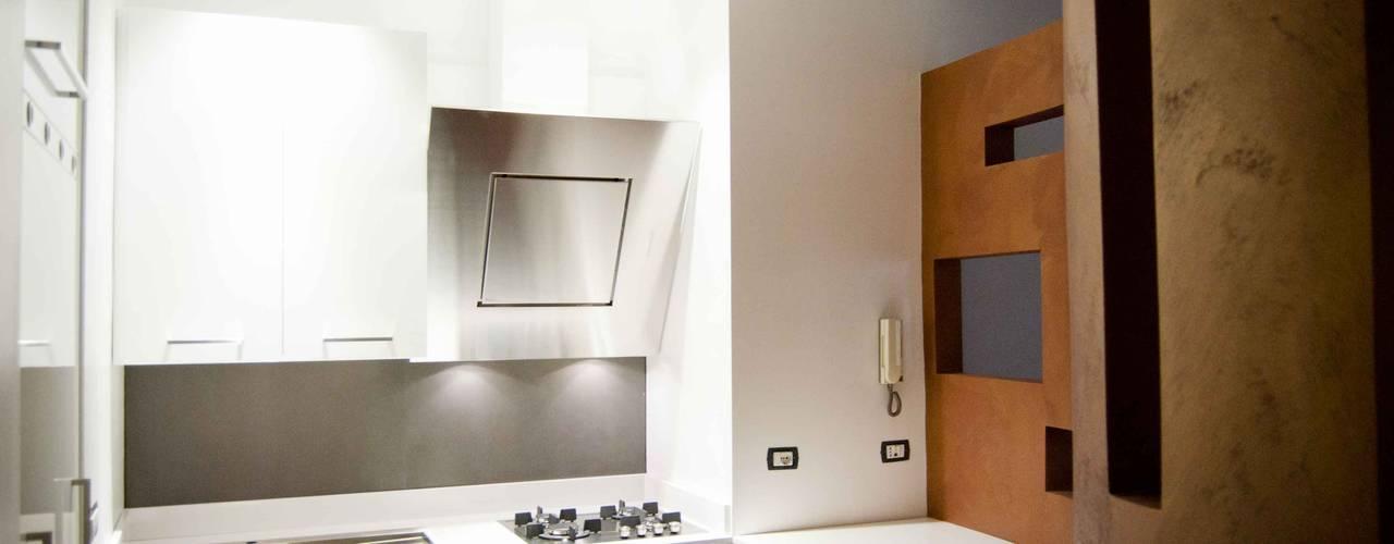 cucina: Cucina in stile in stile Minimalista di antoniodimaro&partners