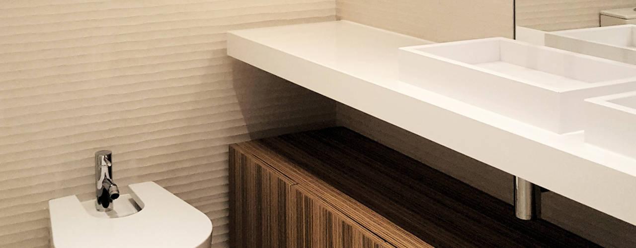 REMODELAÇÃO APARTAMENTO CARNIDE Casas de banho modernas por ARCHDESIGN | LX Moderno