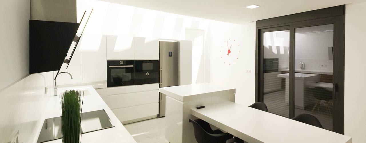 Projekty,  Kuchnia zaprojektowane przez arqubo arquitectos, Nowoczesny