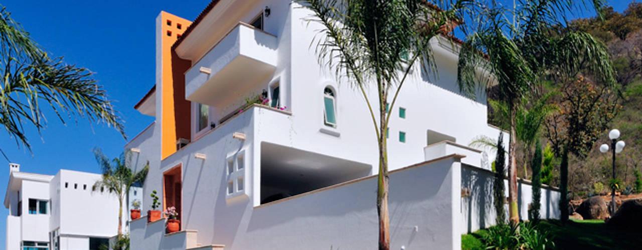 Casas coloniais por Excelencia en Diseño Colonial