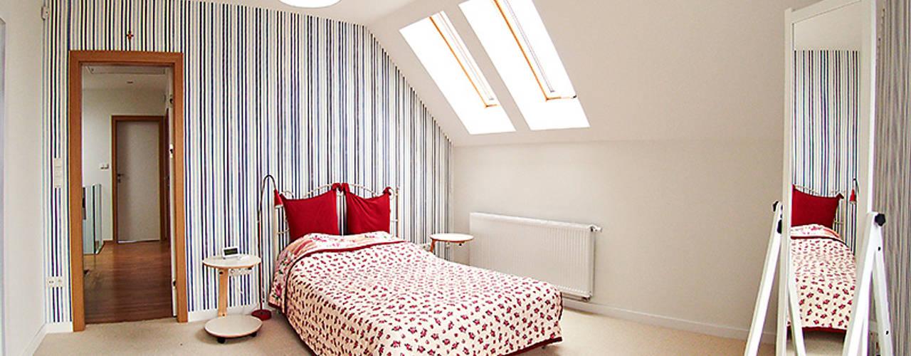 Bedroom by Biuro Projektów MTM Styl - domywstylu.pl