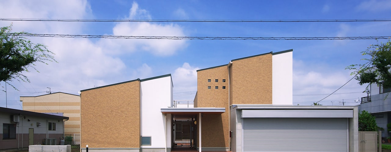 Eclectic style houses by かんばら設計室 Eclectic