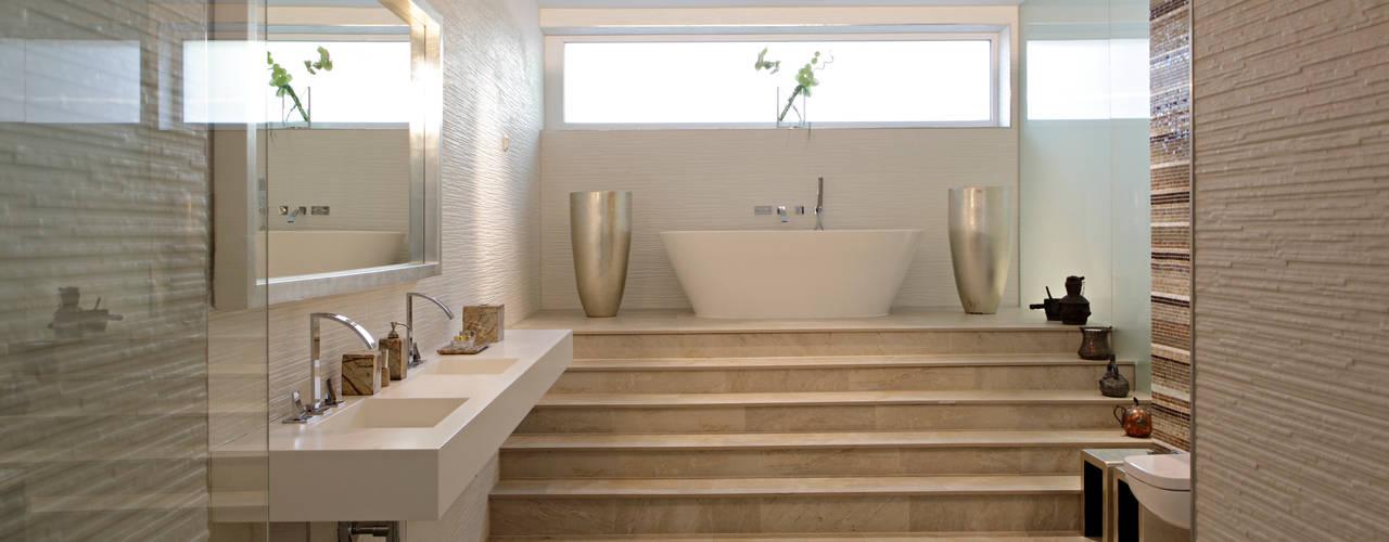Salle de bains de style  par LABOR WELTENBAU ARCHITEKTUR