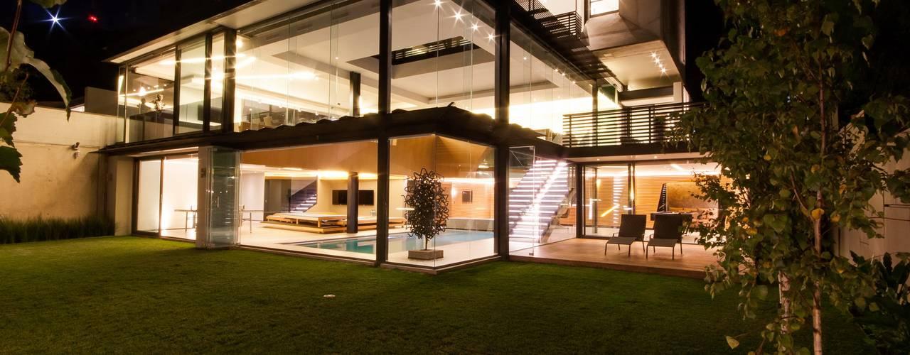 Projekty,  Domy zaprojektowane przez Nico Van Der Meulen Architects