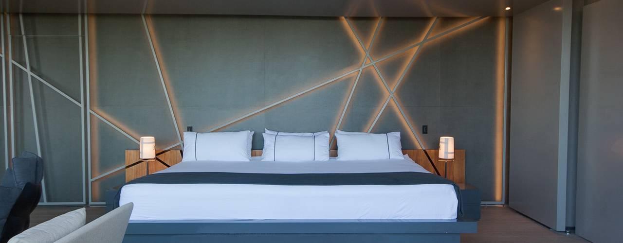 Concrete House Modern style bedroom by Nico Van Der Meulen Architects Modern