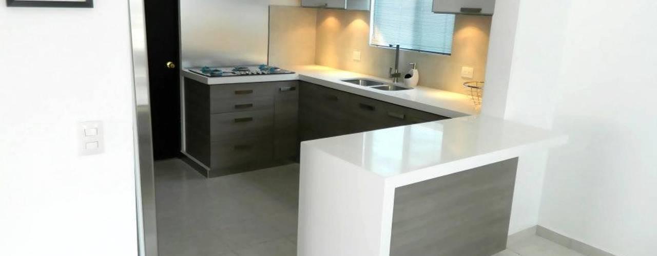 Modern kitchen by Cocinas Grand Modern