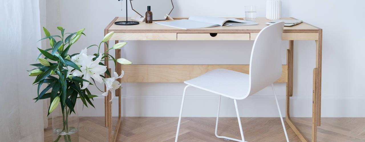 minimalist  by FAM FARA, Minimalist