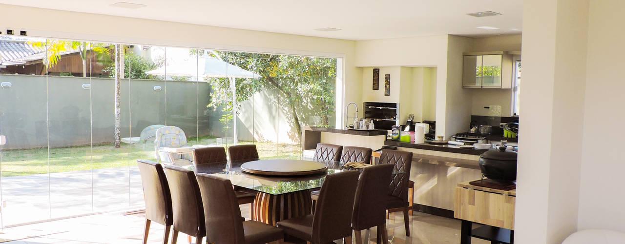 Casa RM53: Cozinhas  por Cecyn Arquitetura + Design