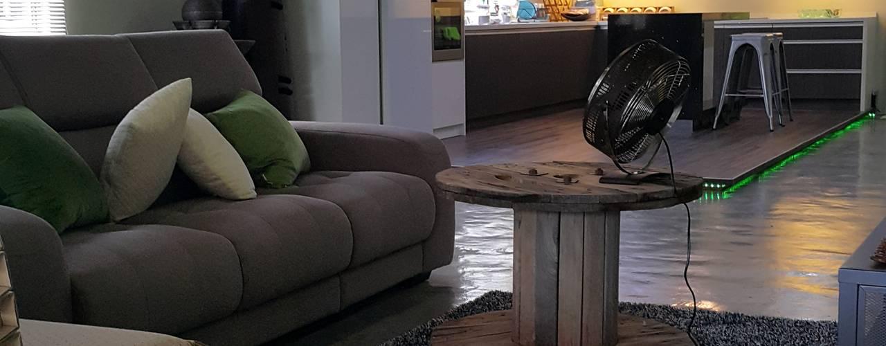 Ruang Keluarga by Alecc Interior Design
