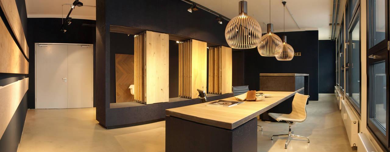 Escritórios e Espaços de trabalho  por Viktor Filimonow Architekt in München