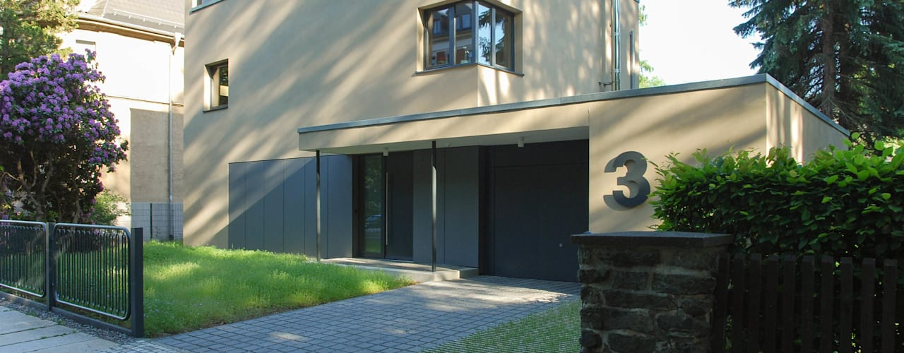 Case moderne di fried.A - Büro für Architektur Moderno