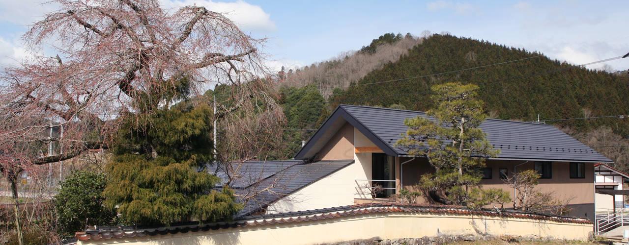 しだれ桜と暮らす家 モダンな 家 の 設計事務所アーキプレイス モダン