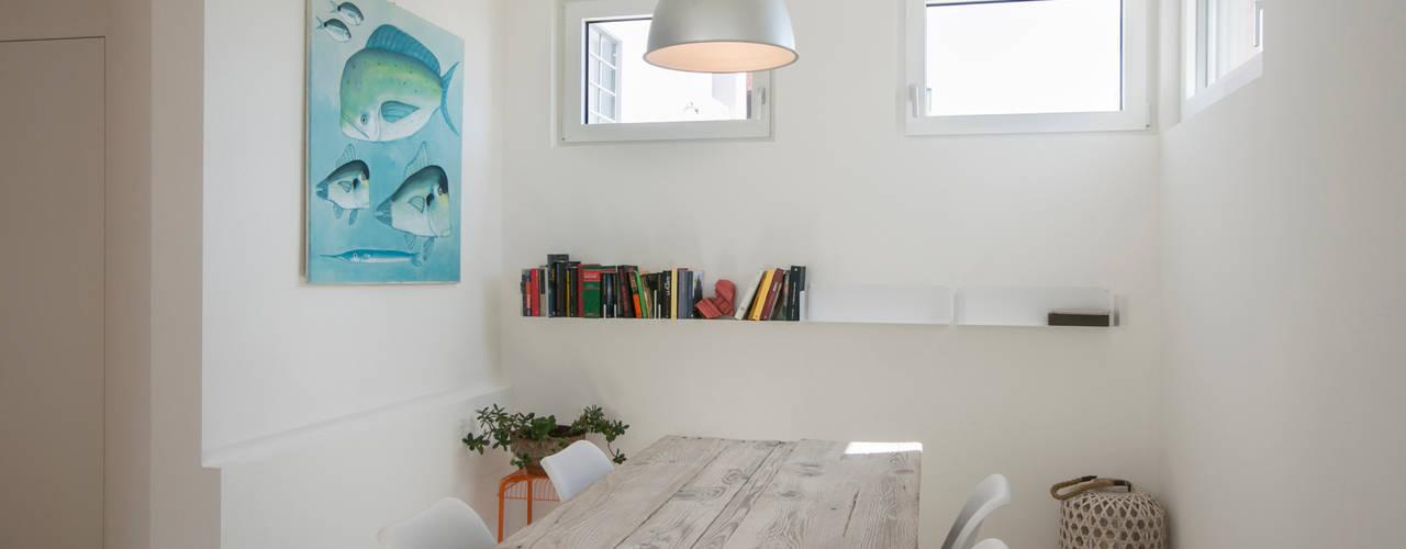 Dining room by mc2 architettura, Mediterranean