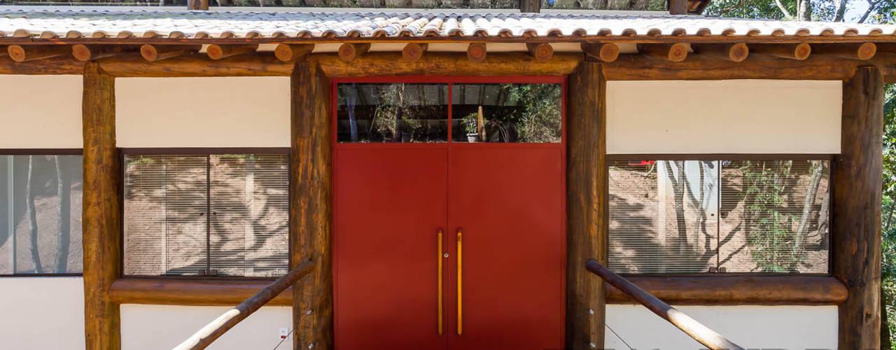 Casas de estilo  por SCALI & MENDES ARQUITETURA SUSTENTAVEL