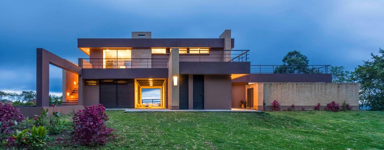 Casa del Patio Ecuestre: Casas de estilo  por David Macias Arquitectura & Urbanismo, Moderno