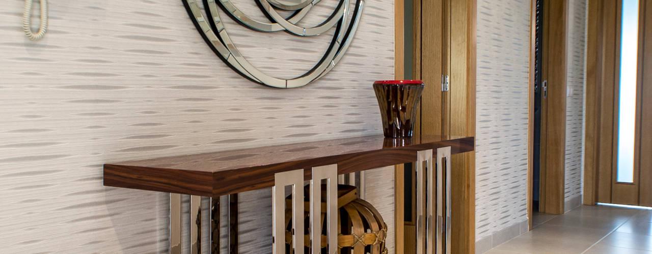 Atelier Ana Leonor Rocha Modern Corridor, Hallway and Staircase Beige