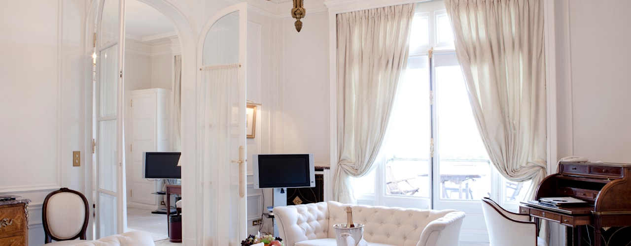Salon de style  par Gracious Luxury Interiors