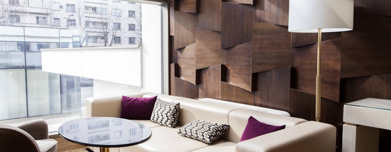 Salas / recibidores de estilo  por Gracious Luxury Interiors, Moderno