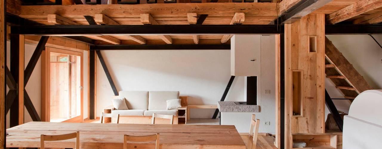 FVL: Sala da pranzo in stile  di ALDENA