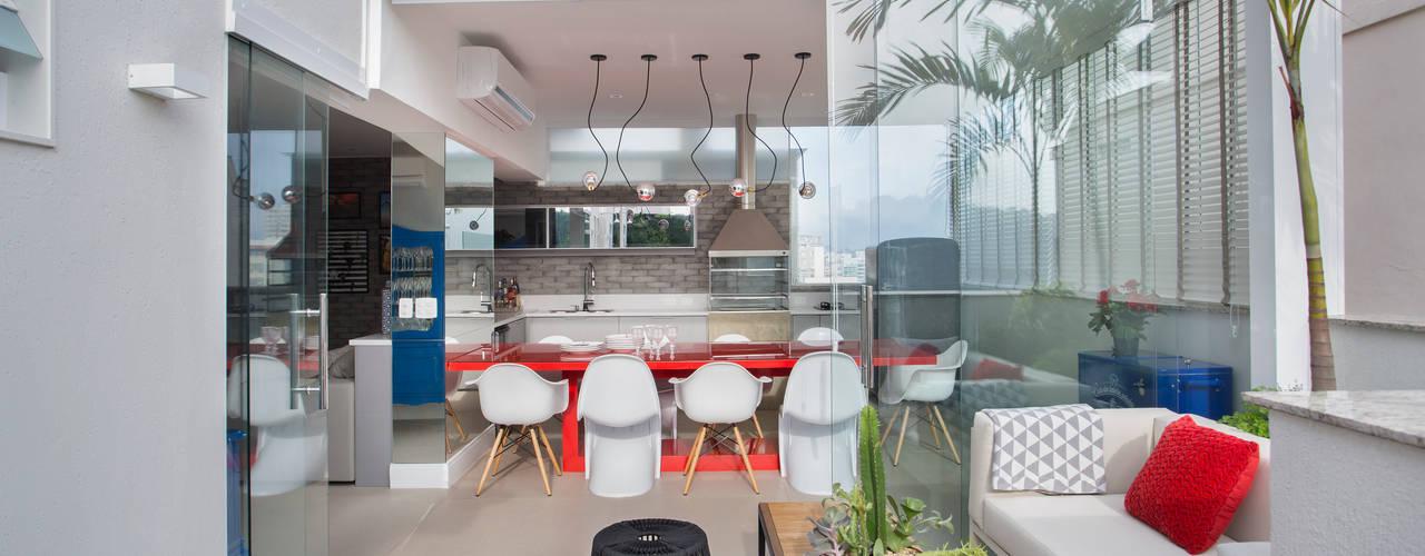 Cobertura Icarai, Niteroi, RJ: Terraços  por Amanda Miranda Arquitetura