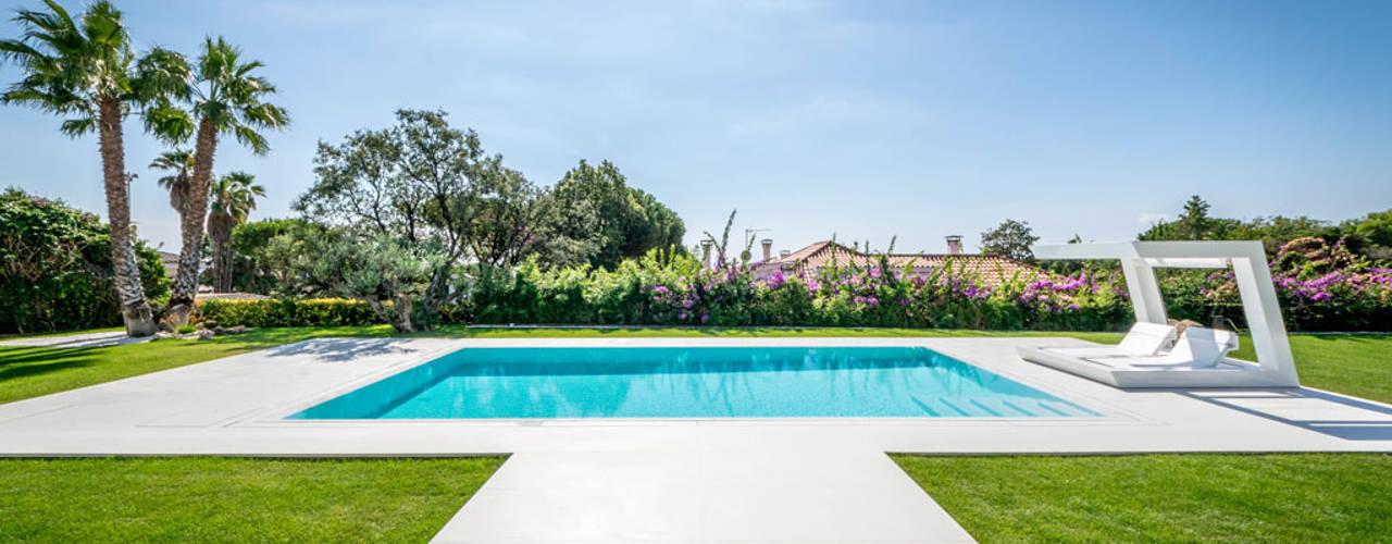 Herrero House Piscinas mediterrânicas por 08023 Architects Mediterrânico