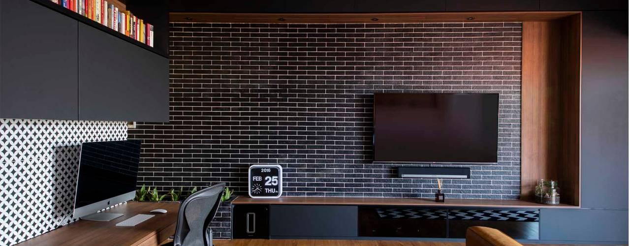 Modern style bedroom by Eightytwo Pte Ltd Modern