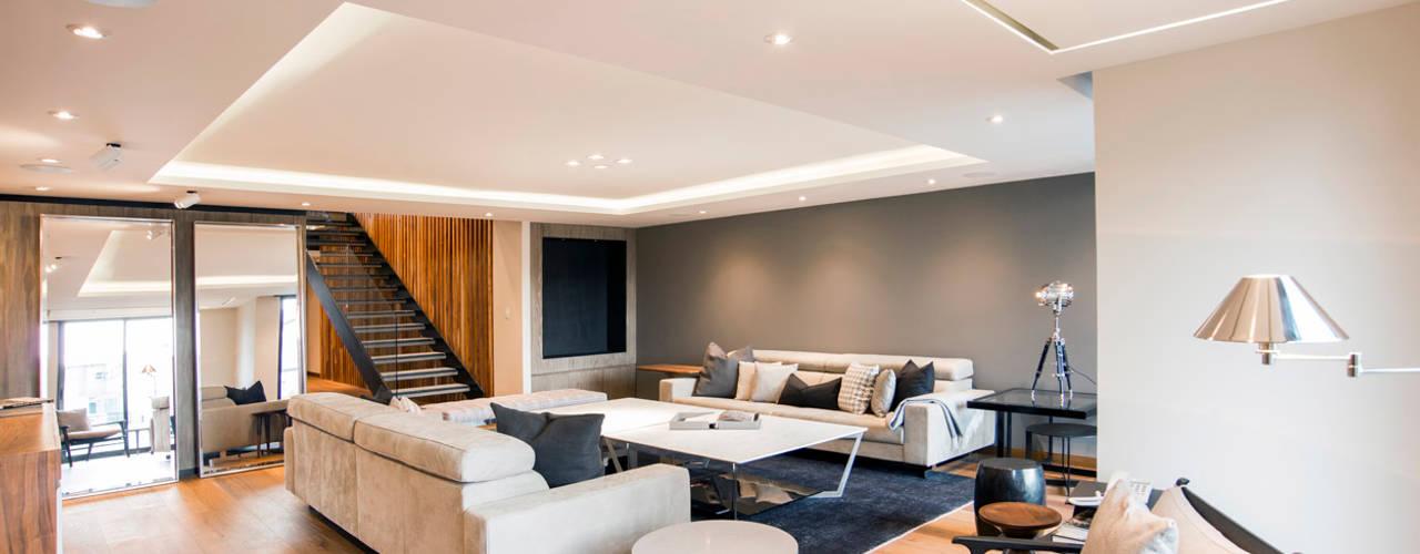 Sobrado + Ugalde Arquitectos ห้องนั่งเล่น