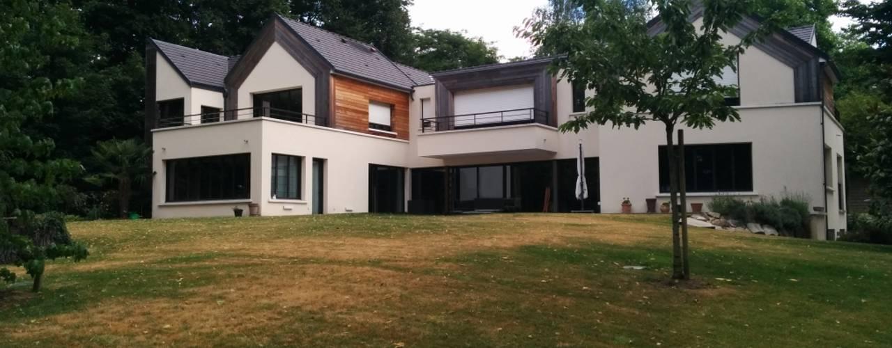 Réhabilitation moderne complète Maisons modernes par Archionline Moderne