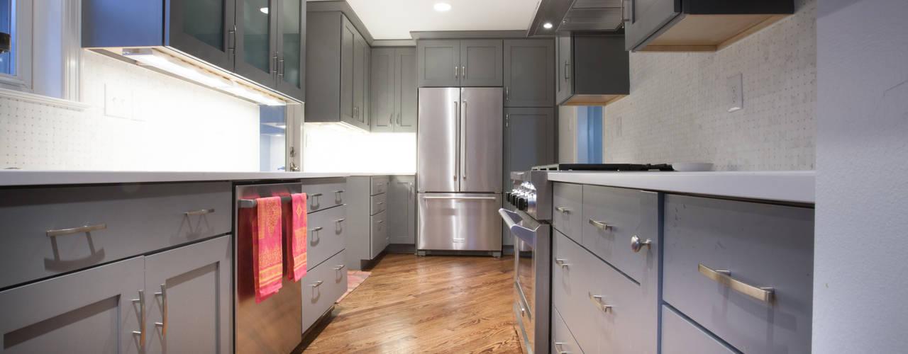 Home remodel in Washington, D.C.:  Kitchen by RedBird ReDesign